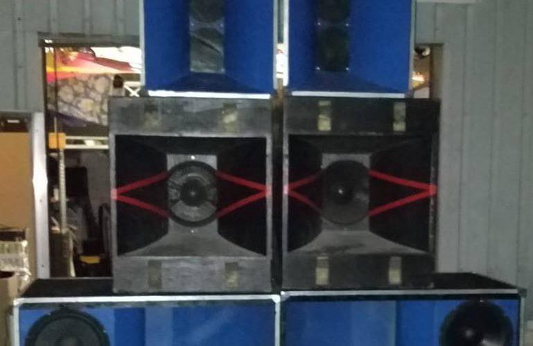 Eerste JBL 45XX PA stack